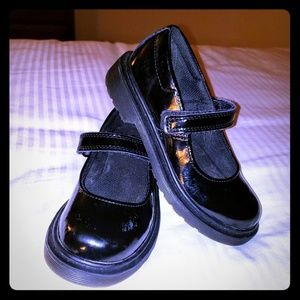 DR. MARTENS MACCY BLACK PATENT MARYJANE SHOES